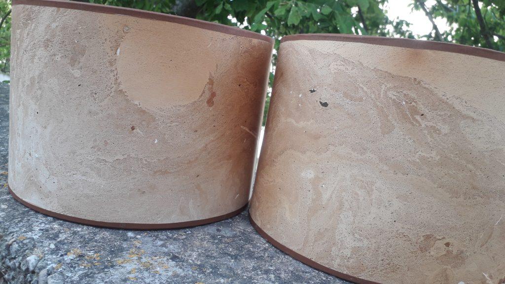appliques demi-cylindrique dans un papier teint végétal