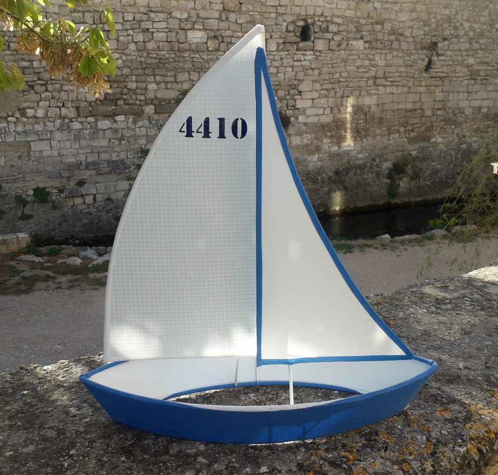 forme bateau pour une lampe à poser